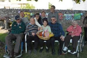 Foto di gruppo degli ospiti della Piccola Fraternità